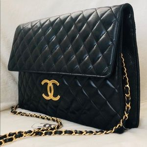 Aut CHANEL Lambskin Quilted Jumbo Maxi XL Flap Bag